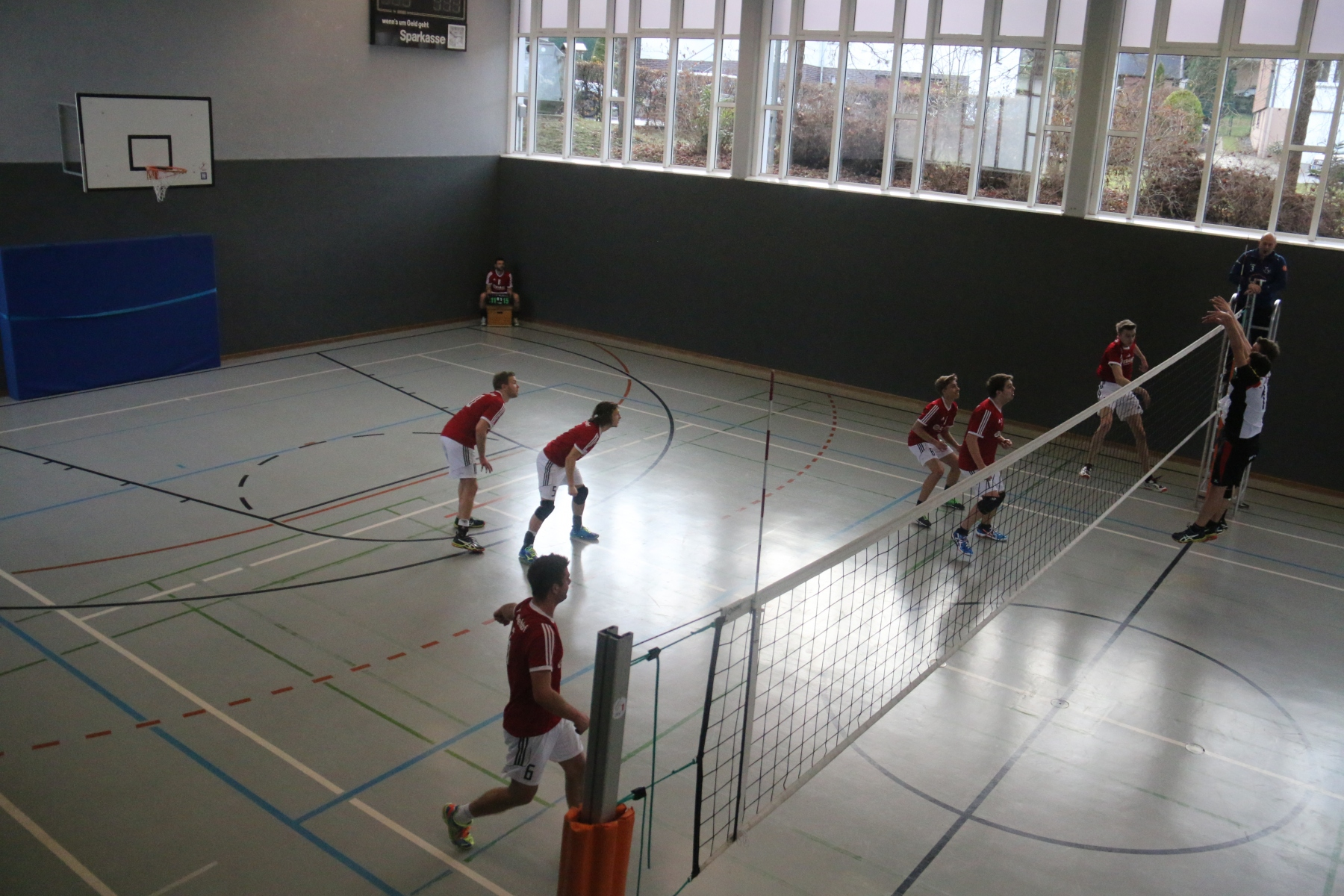 Volleyball-100